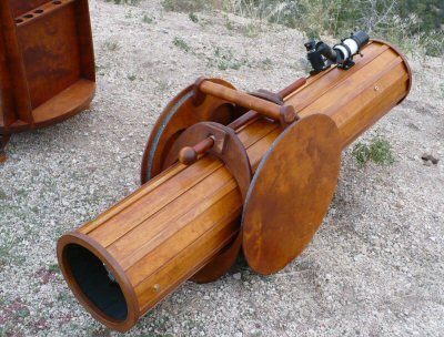 Wooden telescope tube clamp
